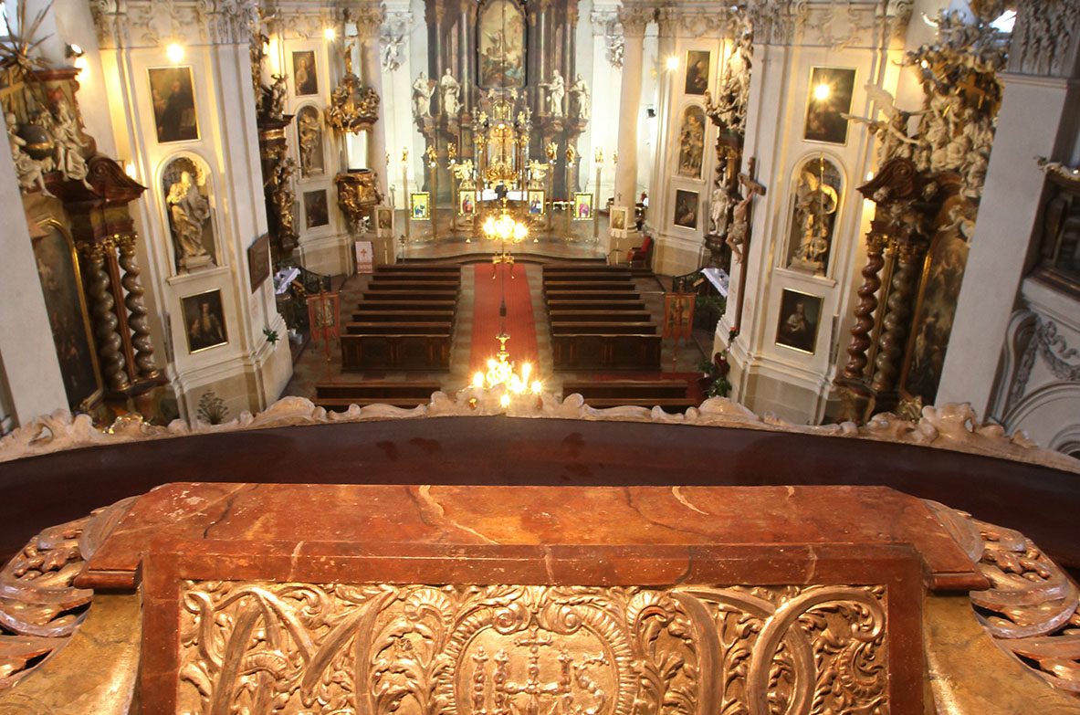 Aisle from organ loft